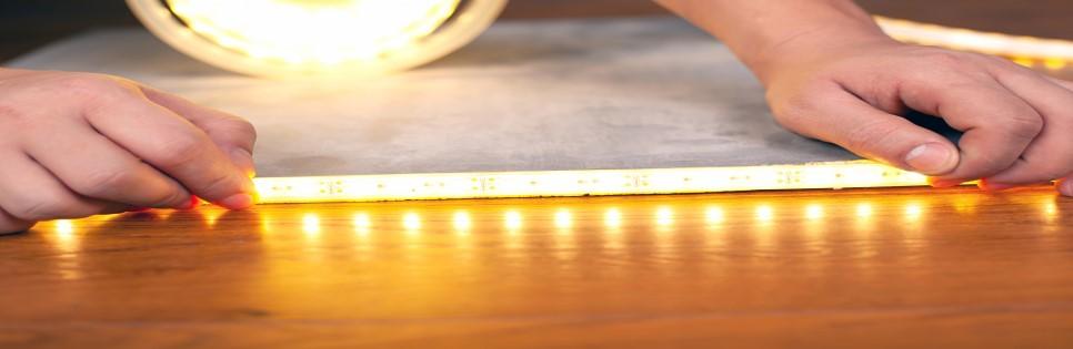 Anbringen einer LED-Leiste