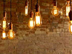 E14 bulbs with warm colour temperature